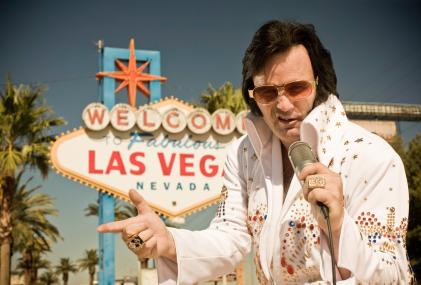 Las vegas buyer spots elvis at burger king for Elvis wedding chapel las vegas